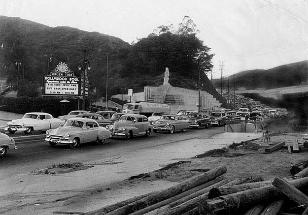 Hollywood Bowl Traffic 1950′s