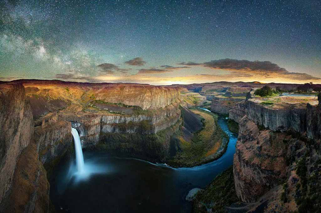 Lightning and Stars over Palouse Falls, WA