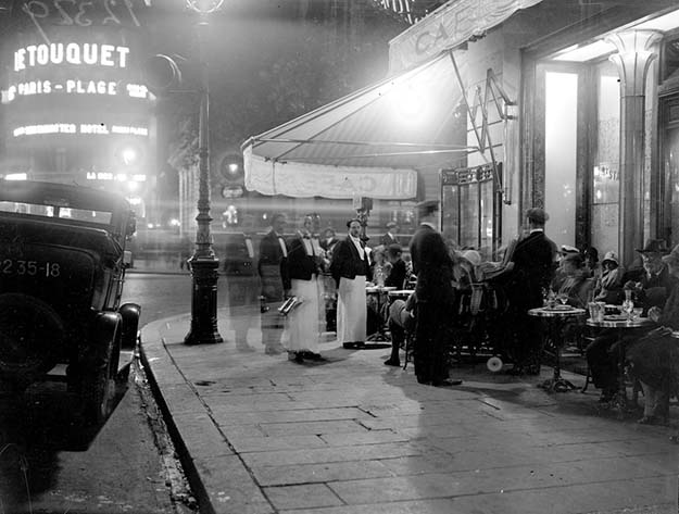 A cafe in 1929