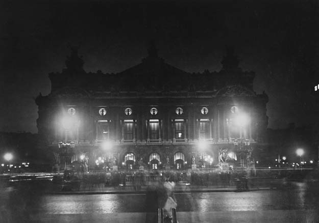 A stunning capture of the Paris Opera in 1910