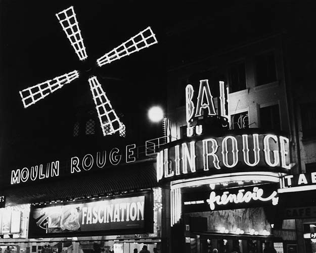 The Moulin Rouge in 1940, now with neon signage.