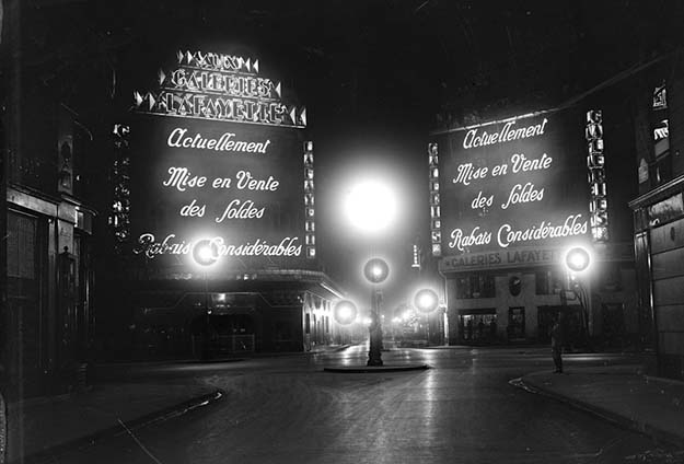Les Galeries Lafayette (a Parisian department store that's been open since 1895), here in 1929.