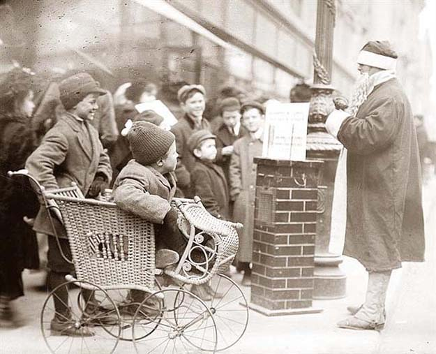 Santa Claus in New York, ca. 1900