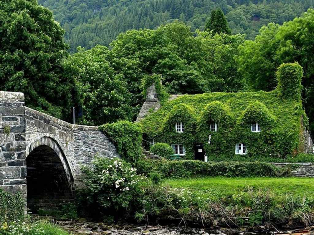 Fairytale Cottages, Wales
