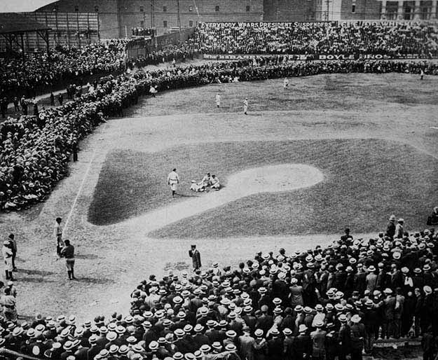 Red Sox vs Tigers in Boston, 1910