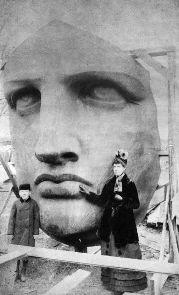 Unboxing the Statue of Liberty, 1885