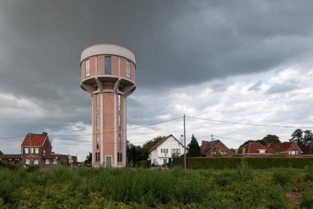 Water Tower Redesigned Into Awesome Home