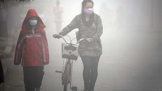 An eight-year-old girl in China is the youngest living person to be diagnosed with lung cancer attributed to pollution.
