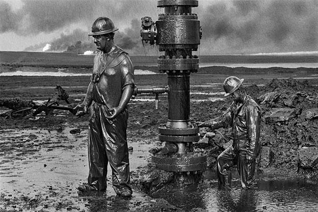 Canadian firefighters seal an oil well in Kuwait after Iraqi sabotage during the Gulf War, 1991