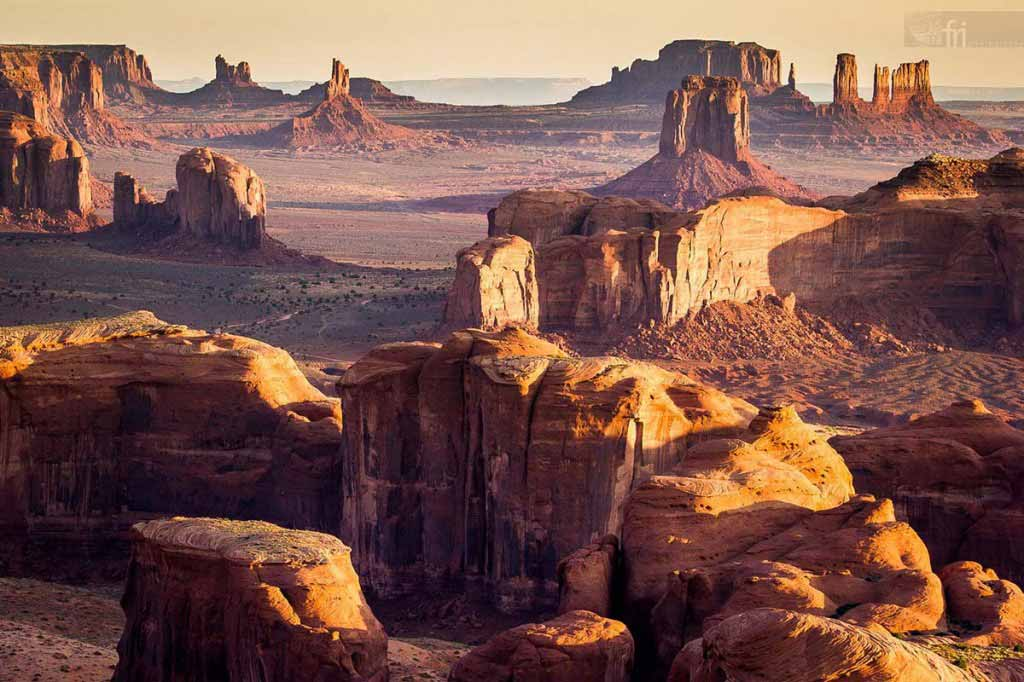 Sunrise over the Monument Valley