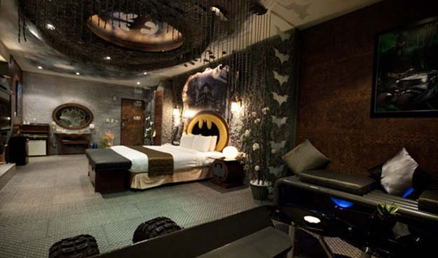 So This Exists…A Batman Themed Room In An Hourly Rate Erotic Motel