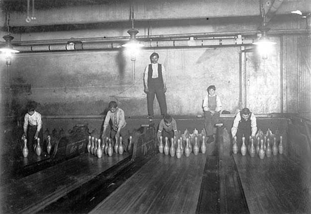 Bowling Alley Pinsetter