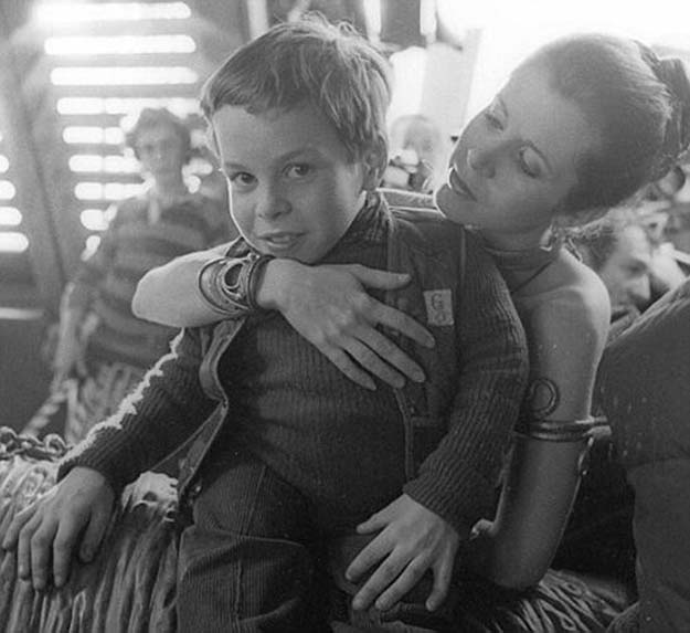 Rare Behind The Scene Pictures Of Star Wars (25 Pics)