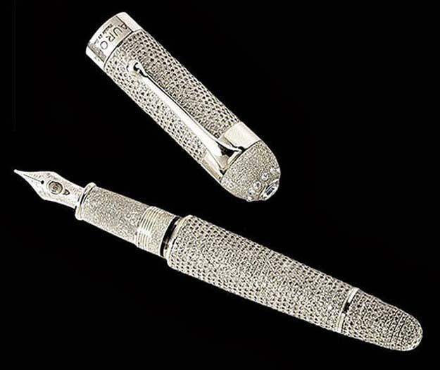 Pen Aurora Diamante Fountain Pen ($1.47 million)