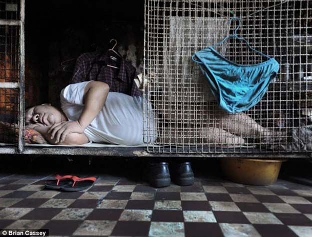 Hong Kong's Poorest Live in Crammed Metal Cages