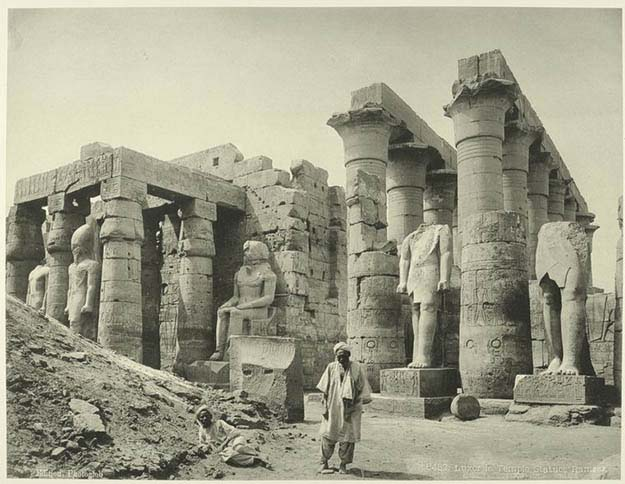 Luxor: The temple, Ramses statues