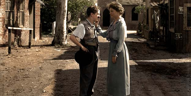 Helen Keller meeting Charlie Chaplin in 1919