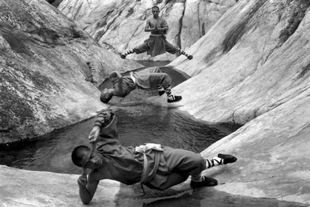 Incredible Photos Of Shaolin Monks Training